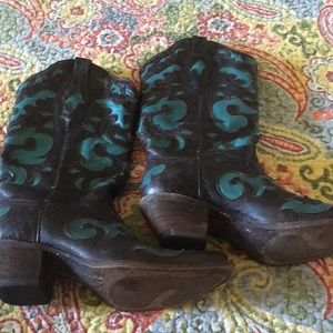 Turquoise inlay Corral Boots 6.5M